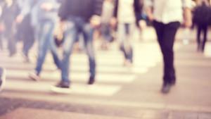 Gente caminando en la calle